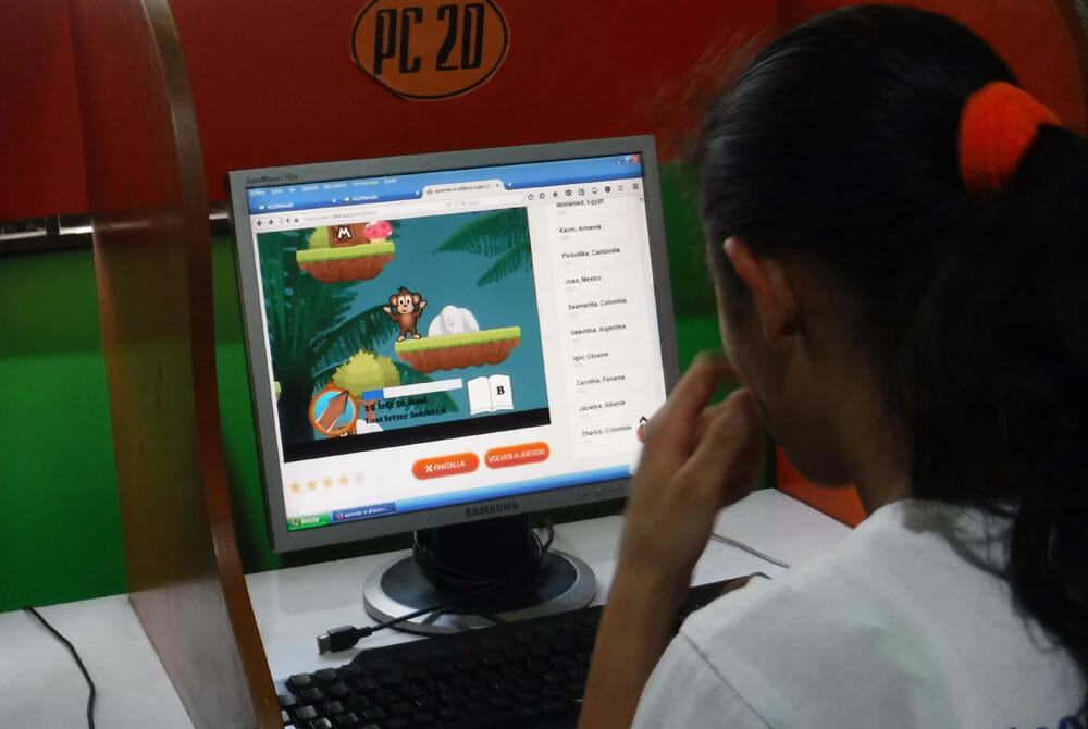 Students in Venezuela are playing ESL games on DTML platform