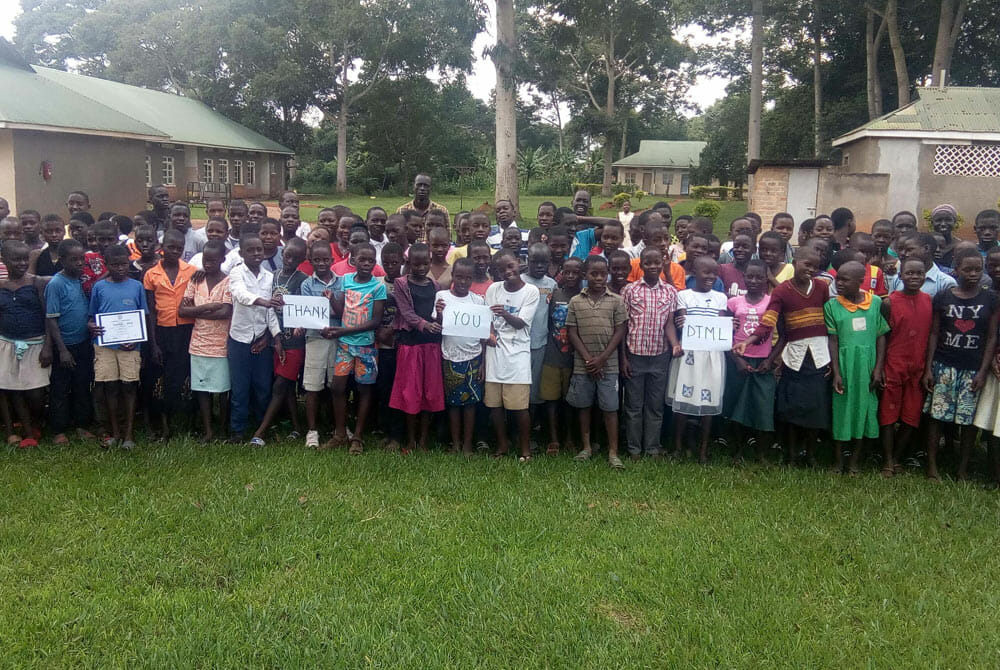 Over 100 Students say thank you to the JAAS Foundation