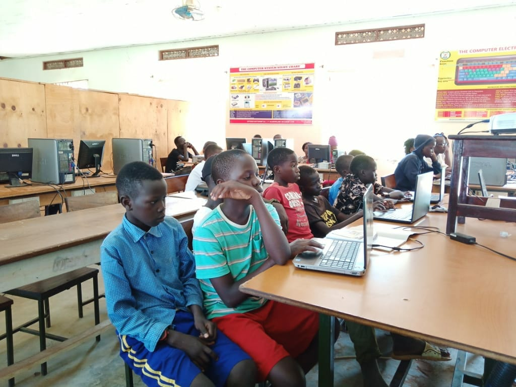 Group class during computer outreach through the JAAS Foundation